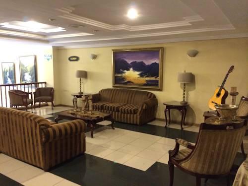 Hotel Bombuscaro-LEAV-ROOM