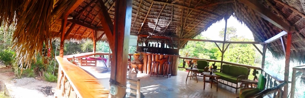 Suchipakari-rainforest-hotel-jungle-lodge-ecuador-bar-restaurant-36.jpg.1024x0