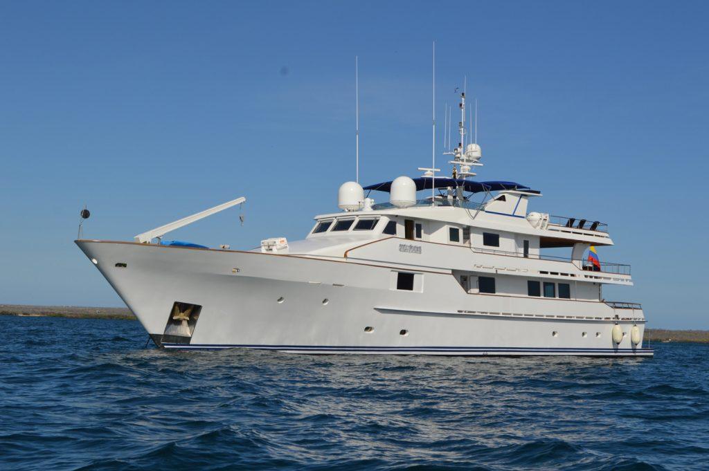 Stella-Maris-luxury-yacht