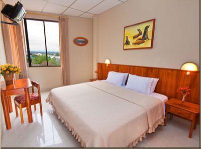 El Hotel Palmeras Con 40 Habitaciones Disponibles Se Encuentra Ubicado En Centro De La Ciudad Puerto Ayora Isla Santa Cruz A Dos Minutos Del