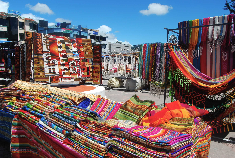 Resultado de imagen para mercado de Otavalo